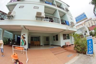 Soontree Guesthouse สุนทรี
